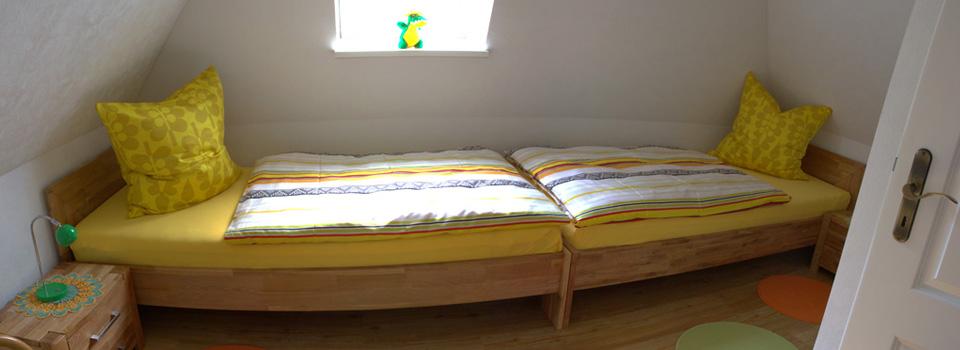 Schlafzimmer oben 1